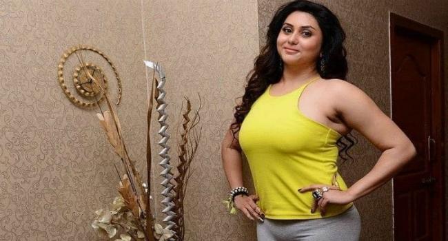 Namitha - మరోసారి 'సింహా' సరసన