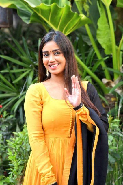 nivetha-pethuraj-నివేత-పెతురాజ్