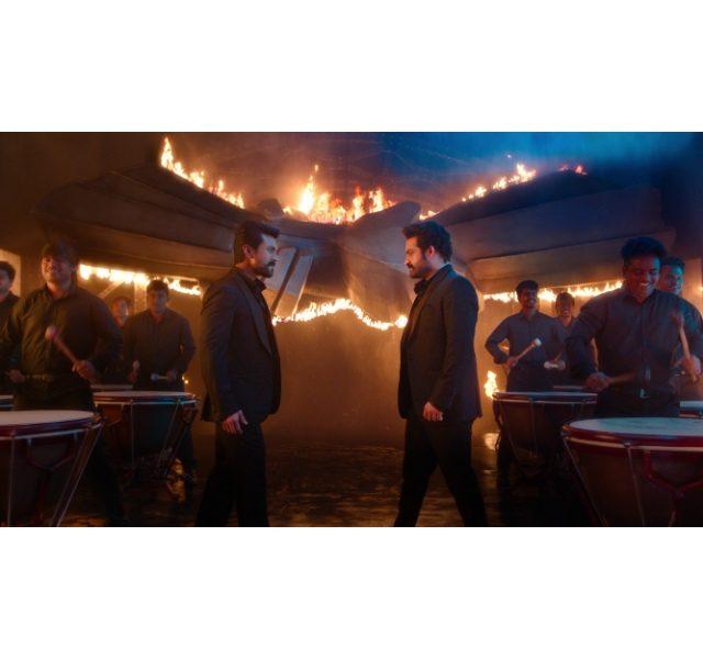 Stills from RRR movie Dosti song
